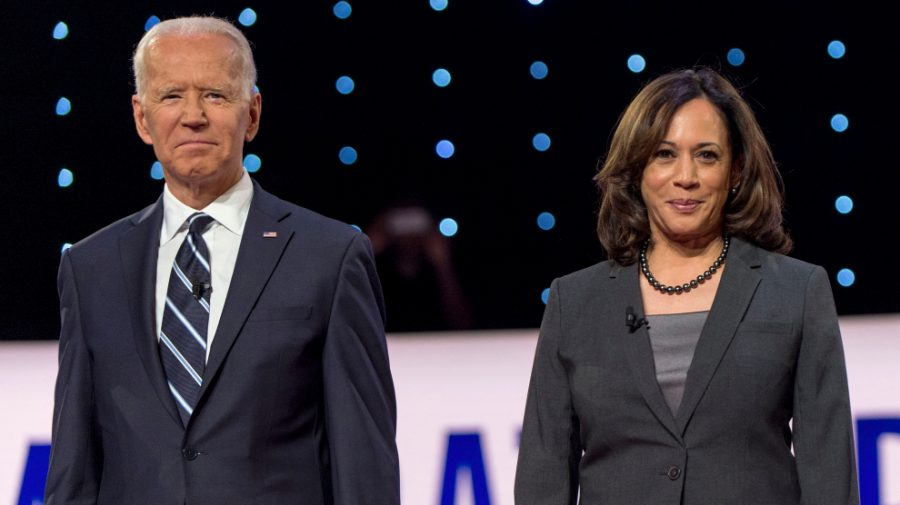July 31, 2019 - Detroit, Michigan, U.S. -   JOE BIDEN and KAMALA HARRIS pose for the photo spray during a commercial break at the second of two Democratic Debates in Detroit hosted by CNN and sanctioned by the DNC.(Credit Image: © Brian Cahn/ZUMA Wire)