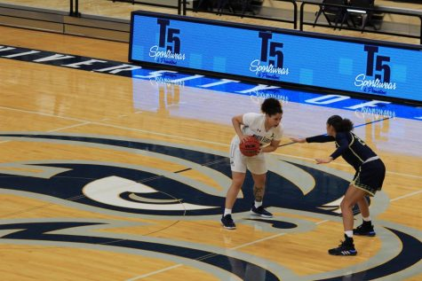 Lady Ospreys pick up first win of season against FIU