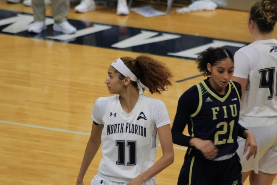 Sisters square off as Lady Ospreys win in last-second thriller