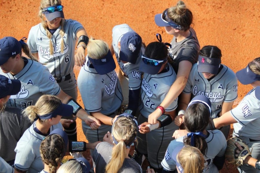 UNF softball splits doubleheader with ranked UCF