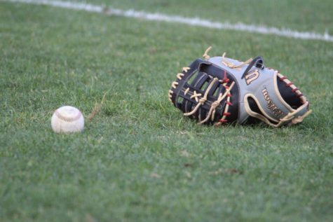 Ospreys blow lead as FGCU completes sweep