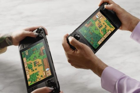 Clash of the new gaming handhelds: Nintendo Switch (OLED model) vs. Steam Deck